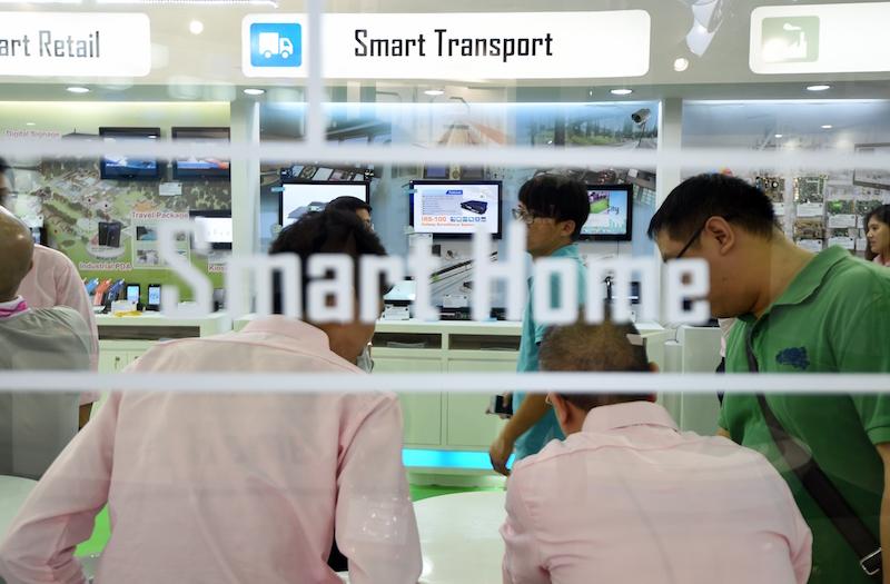 Smart home gadgets thinking tech