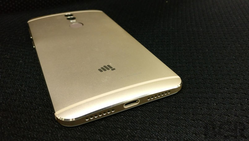 Micromax Canvas1