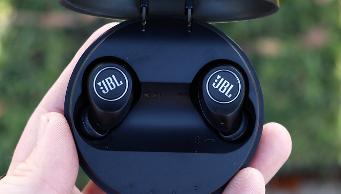 Jbl Free Truly Wireless In Ear Headphones Launched In India