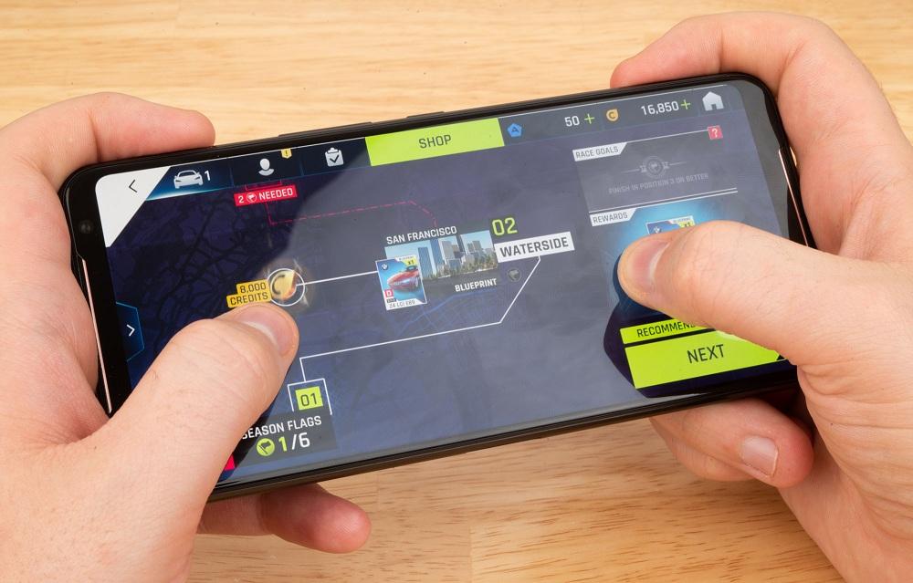 Asus ROG Phone 2 front thinkingtech