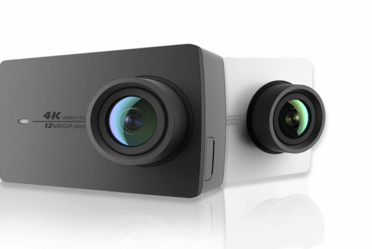 Yi Action Camera display and lens