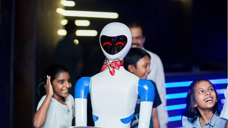 robot restaurant in Chennai